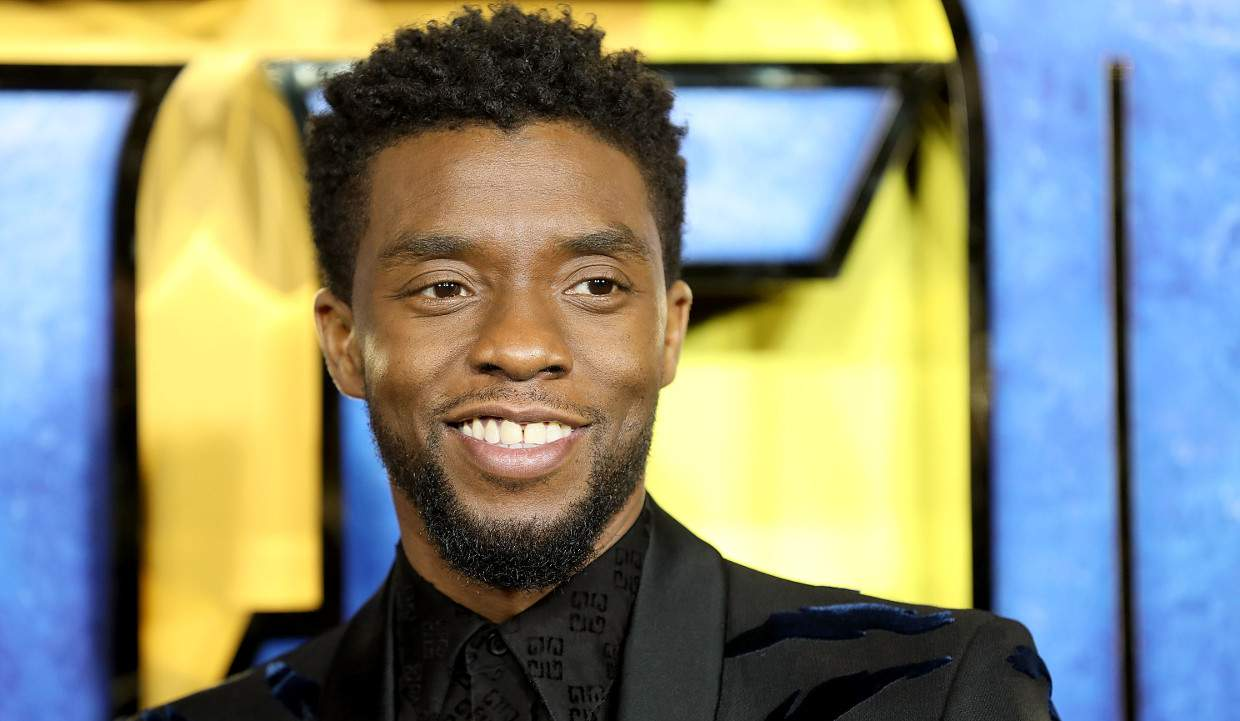 Celebrities, fans mourn death of 'Black Panther' star Chadwick Boseman, 43