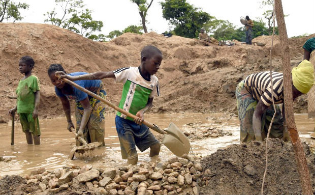 At least 50 Feared Dead in DR Congo Mine Collapse