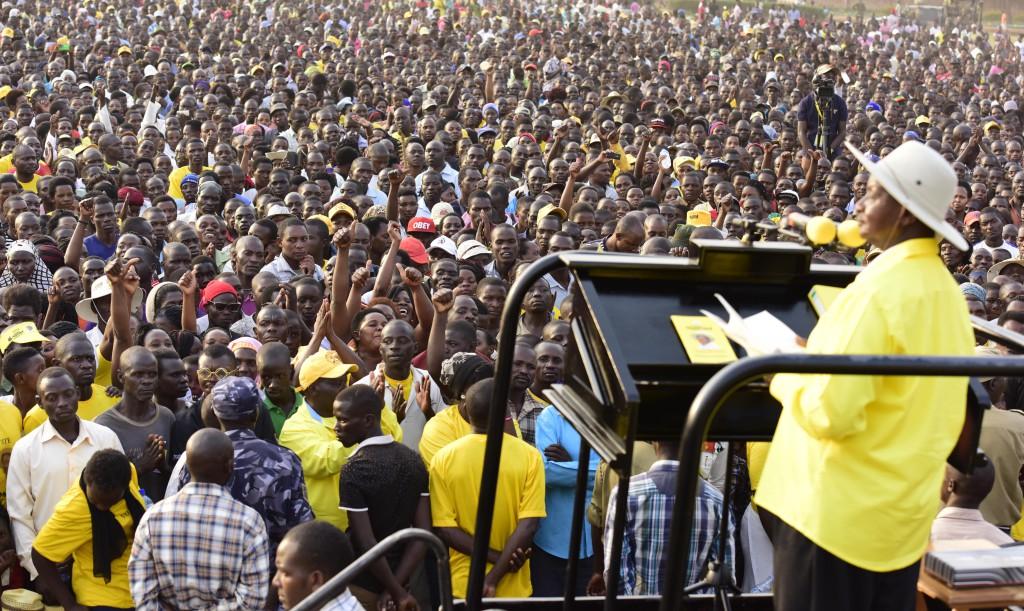 museveni campaigns in hoima municipality in 2016